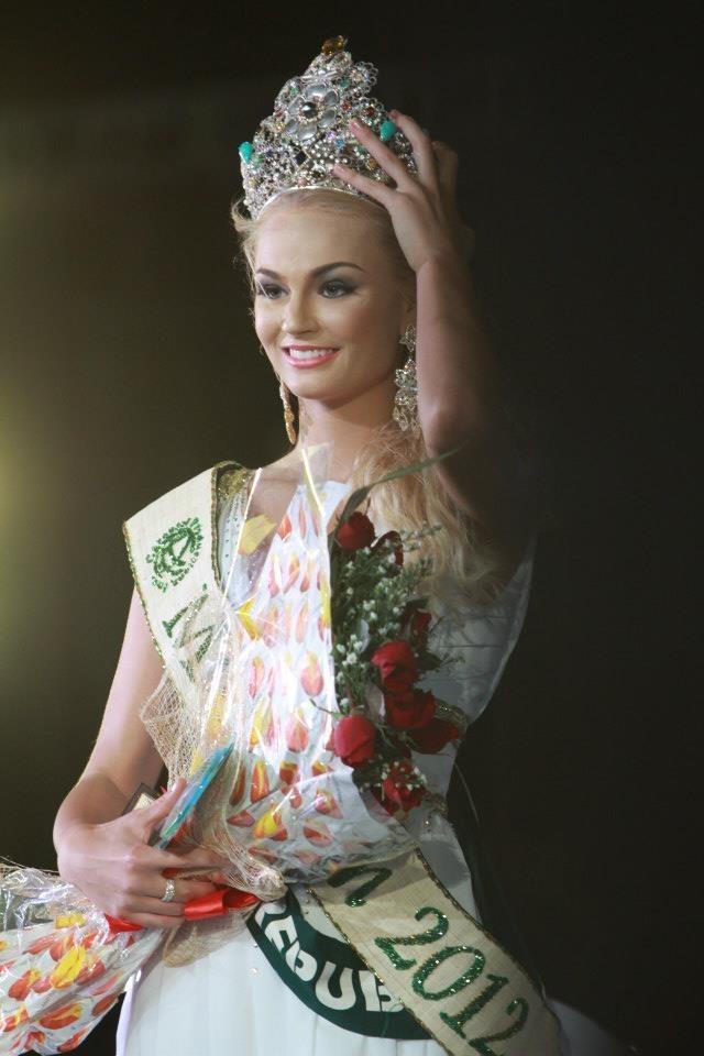 Tereza Fajksová MISS EARTH 2012 | Kontes Kecantikan