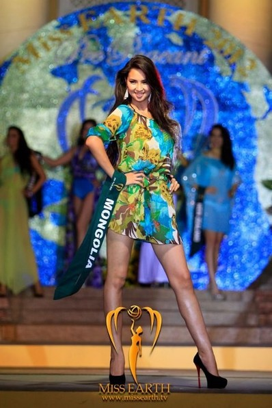miss-earth-2012-resort-wear-competition-group-1 (14)