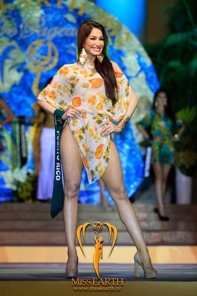 miss-earth-2012-resort-wear-competition-group-1 (16)