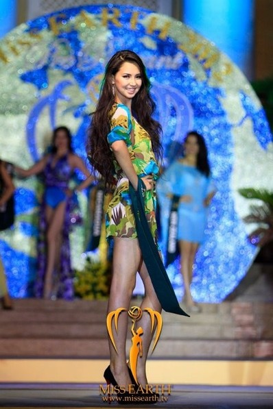 miss-earth-2012-resort-wear-competition-group-1 (18)