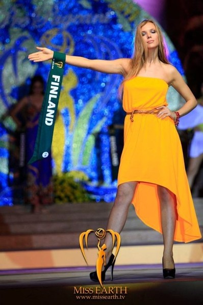 miss-earth-2012-resort-wear-competition-group-1 (21)