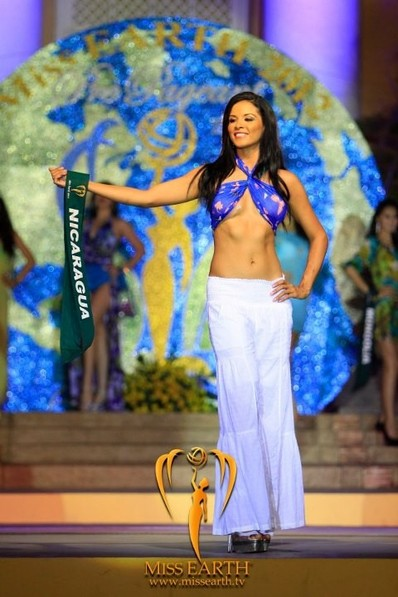 miss-earth-2012-resort-wear-competition-group-1 (24)