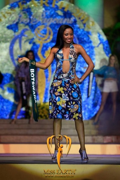 miss-earth-2012-resort-wear-competition-group-1 (7)