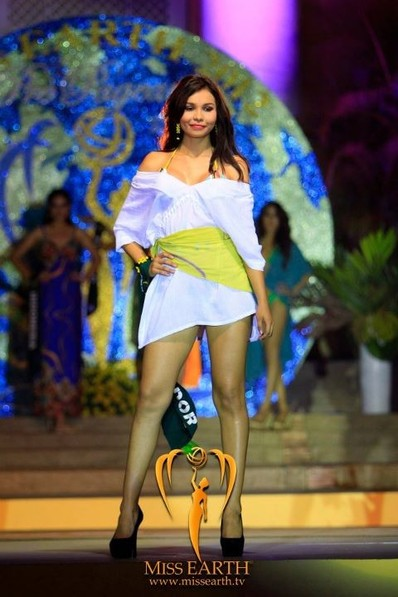 miss-earth-2012-resort-wear-competition-group-1 (9)