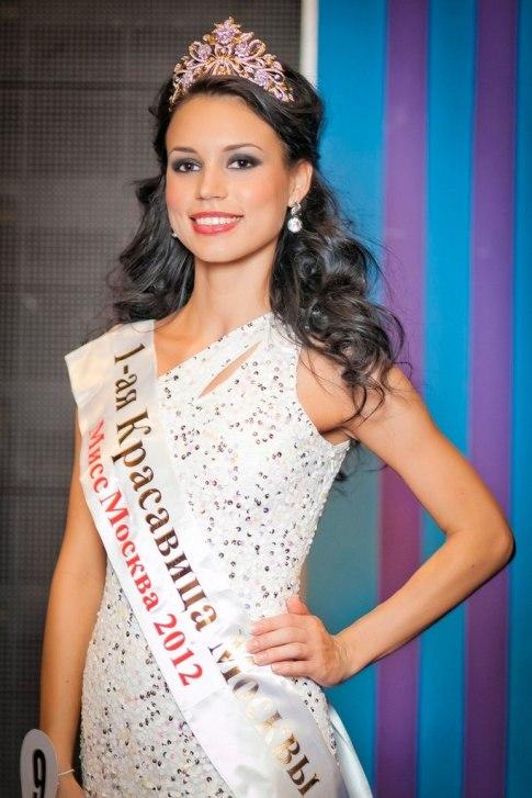 Elina Kireeva (16)
