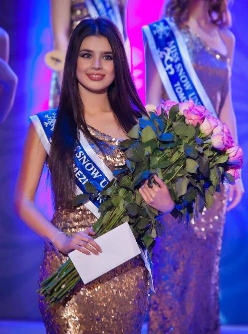 Elmira-Abdrazakova (5)