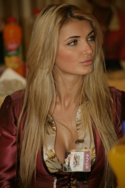 ertemiona-meidani-miss-albania-2009-7