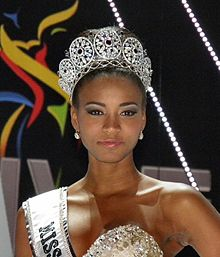 Miss-universe-2011-leila-lopes