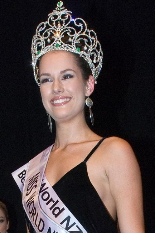 miss-world-new-zealand-2009-magdalena-schoeman-1
