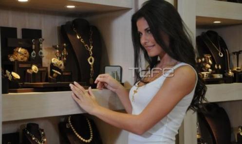 Vasiliki-tsirogianni-miss-universe-greece-2012-beautycontestsblog03