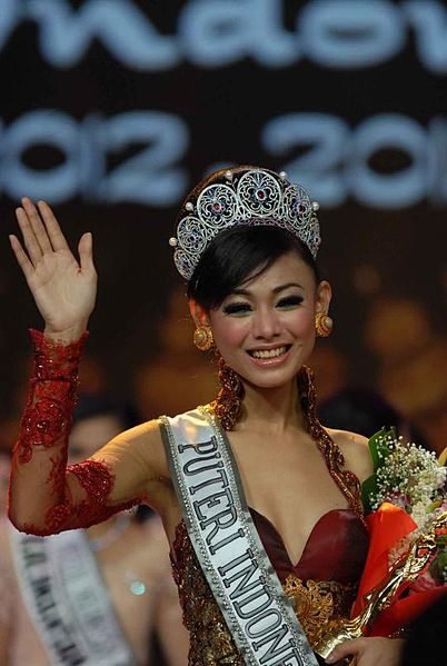 Whulandary Herman, pemenang Puteri Indonesia 2013