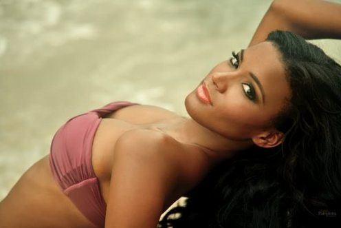 leila-lopes-hot
